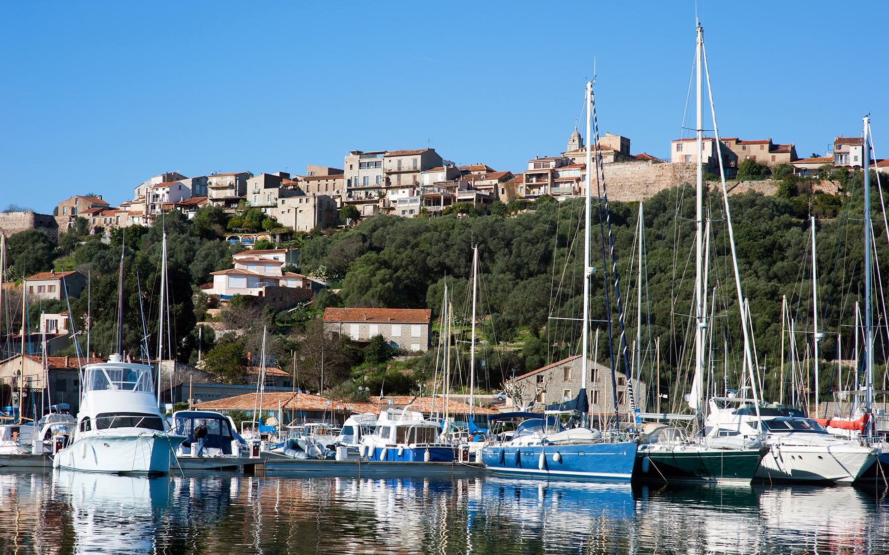 Coeur de ville porto vecchio sud corse - Plus grand port de plaisance d europe ...