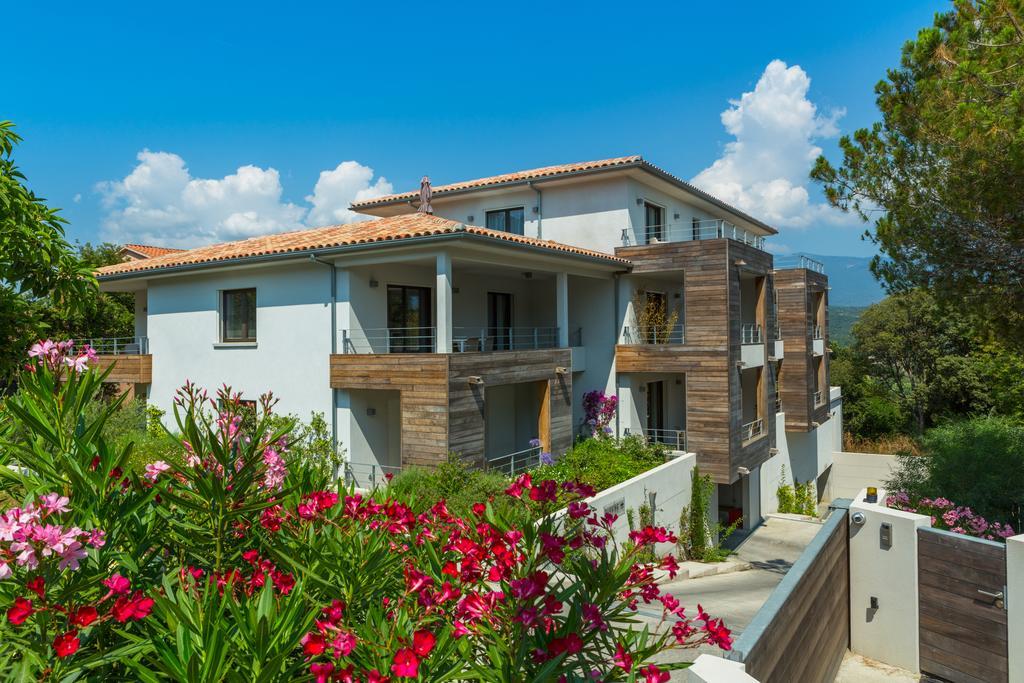 R sidence h teli re alcyon appart 39 h tels porto vecchio sud for Appart hotel porto vecchio